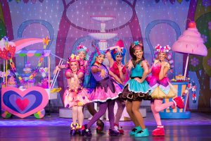 Shopkins Live! Shop It Up!