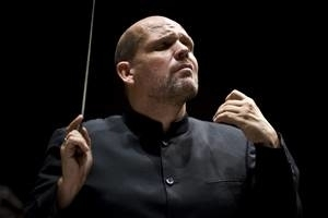 NEW YORK PHILHARMONIC performs MOZART & SHOSTAKOVICH