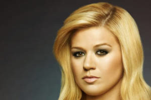 Broadway Loves Kelly Clarkson