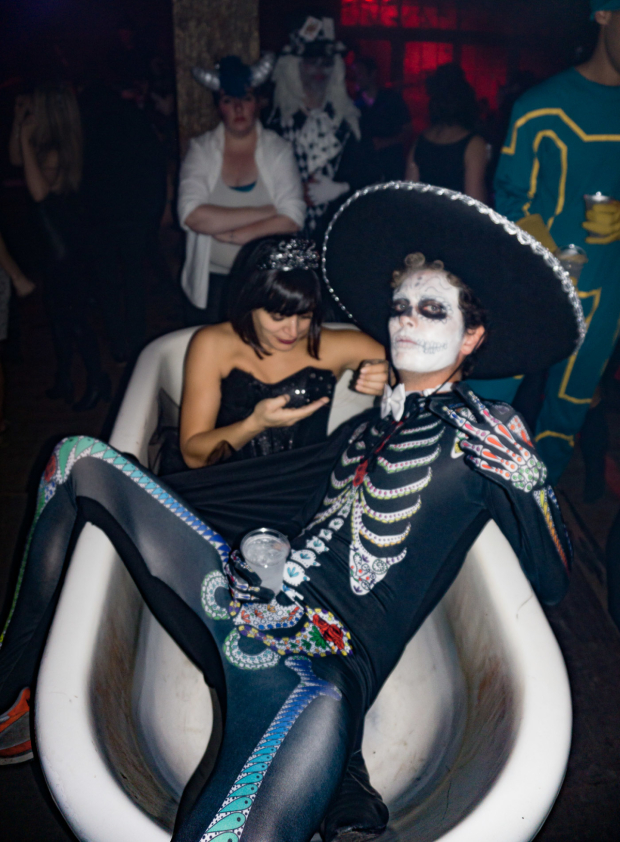 <p>Partygoers who needed a break could lounge in a tub.</p><br />(© Seth Walters)