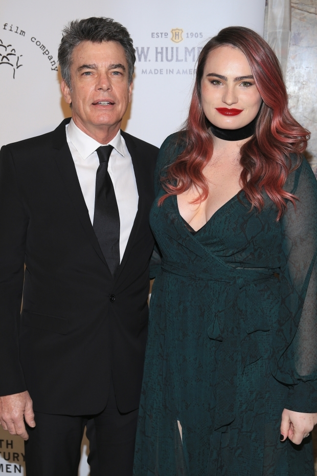 <p>Peter Gallagher and Kathryn Gallagher walk the red carpet.</p><br />(© Tricia Baron)