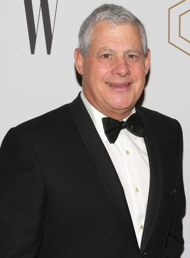 <p>Legendary producer Cameron Mackintosh is looking dapper before the show.</p><br />(© David Gordon)