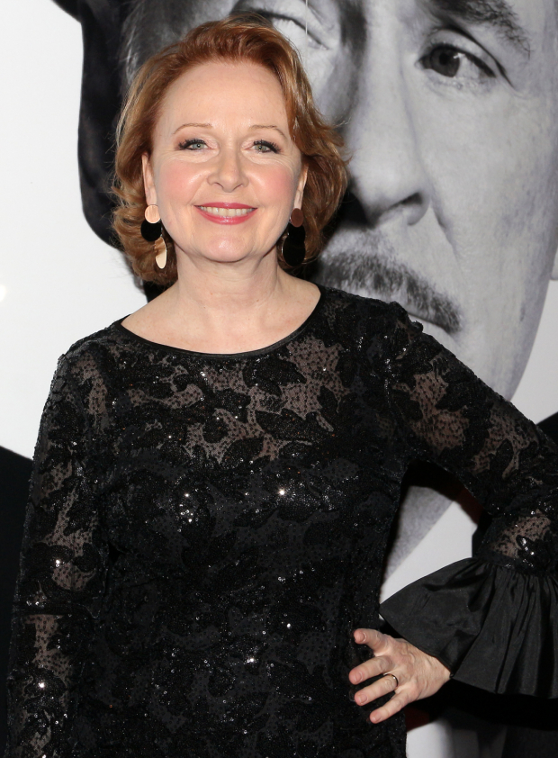 <p>Kate Burton plays Liz Essendine in the production.</p><br />(© David Gordon)