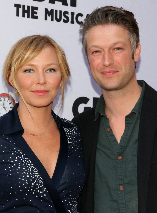 <p><em>Law &amp&#x3B; Order: Special Victims Unit</em> cast members Kelli Giddish and Peter Scanavino smile for the cameras.</p><br />(© David Gordon)