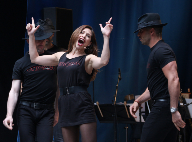 <p>Bianca Marroquín and the men of <em>Chicago</em> sing &quot&#x3B;Roxie.&quot&#x3B;</p><br />(© David Gordon)