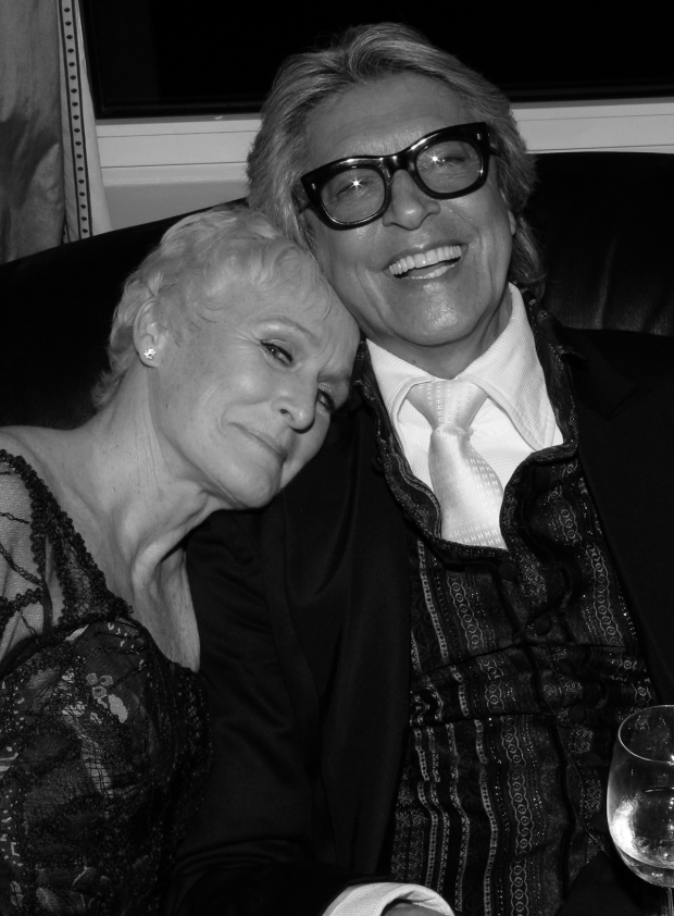 <p>Glenn Close and Tommy Tune end the night at the Carlyle.</p><br />(© David Gordon)
