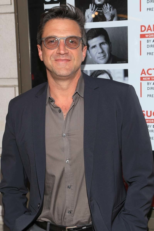 <p>Raúl Esparza stopped for a photo before the show.</p><br />(© Tricia Baron)