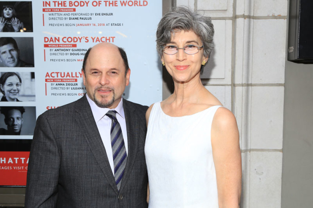 <p>Jason Alexander and Daena Title stopped for a photo.</p><br />(© Tricia Baron)