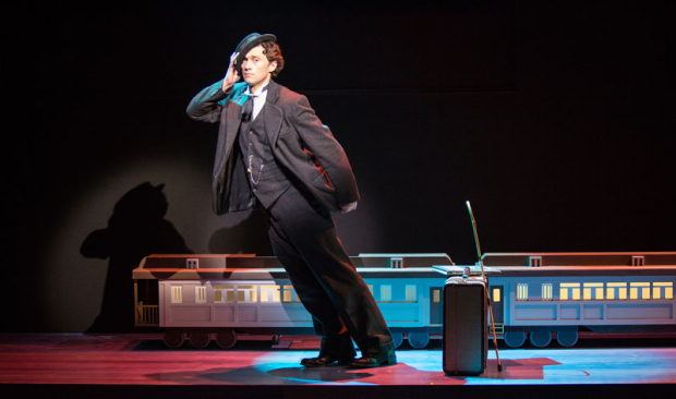 <p>Bryce Pinkham pays homage to the comedians of the silent era as Sam.</p><br />(© Jim Crox)