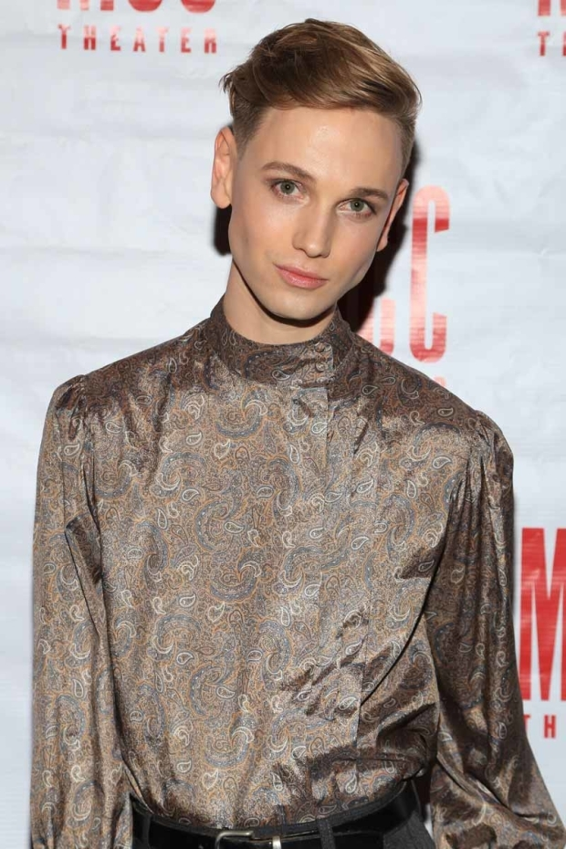 <p>Michael Lorz walks the red carpet.</p><br />(© Tricia Baron)