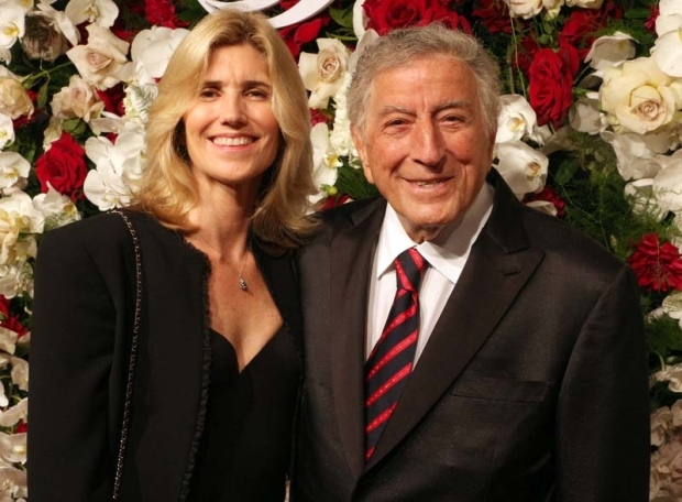 <p>Tony Bennett arrived with his wife, Susan Crow.</p><br />(© David Gordon)