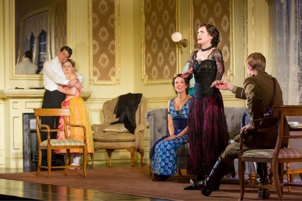 <p>Matthew James Thomas (far right) offers Elizabeth McGovern a hand.</p><br />(© Jeremy Daniel)