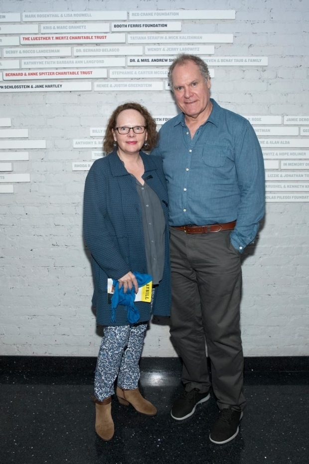 <p>Maryann Plunkett and Jay O. Sanders grab a photo at the show.</p><br />(© Simon Luethi)