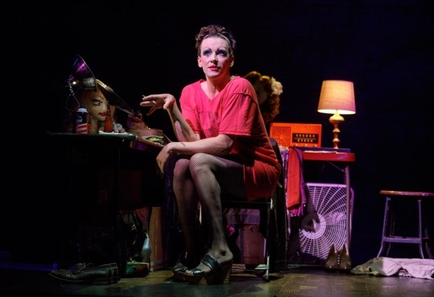 <p>Michael Urie stars as Arnold Beckoff, the role originated by playwright Harvey Fierstein.</p><br />(© Joan Marcus)