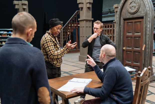 <p>Noma Dumezweni and Jamie Parker have a discussion with John Tiffany.</p><br />(© Manuel Harlan)