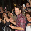 Broadway Grace Cast, Including Ed Asner, Paul Rudd, Greet Fans