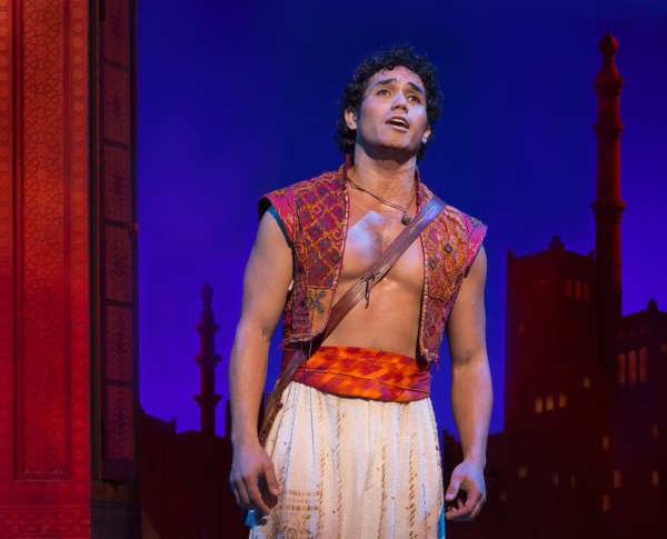 <p>Adam Jacobs stars as <em>Aladdin</em>.</p><br />(© Cylla von Tiedemann)
