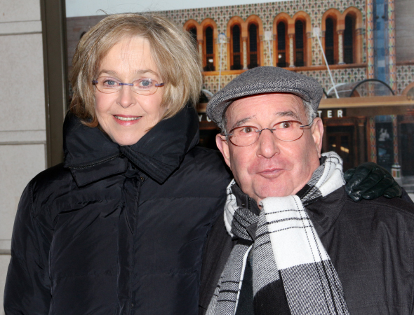 <p>TV and stage favorites Jill Eikenberry and Michael Tucker walk the red carpet.</p><br />(© David Gordon)