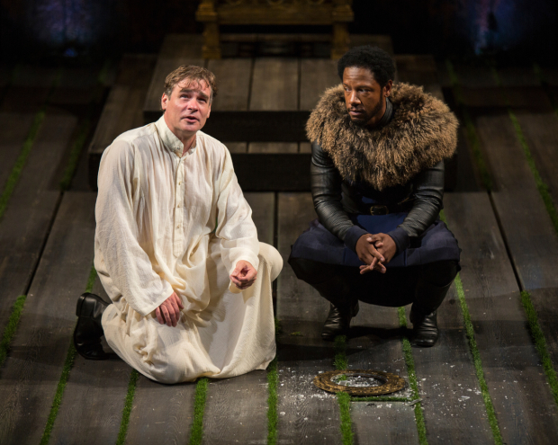 <p>A scene between Robert Sean Leonard and Tory Kittles.</p><br />(© Jim Cox)