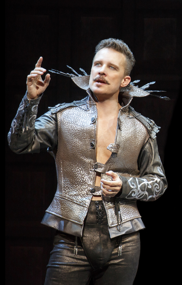 <p>A solo shot of Chase as Shakespeare.</p><br />(© Joan Marcus)