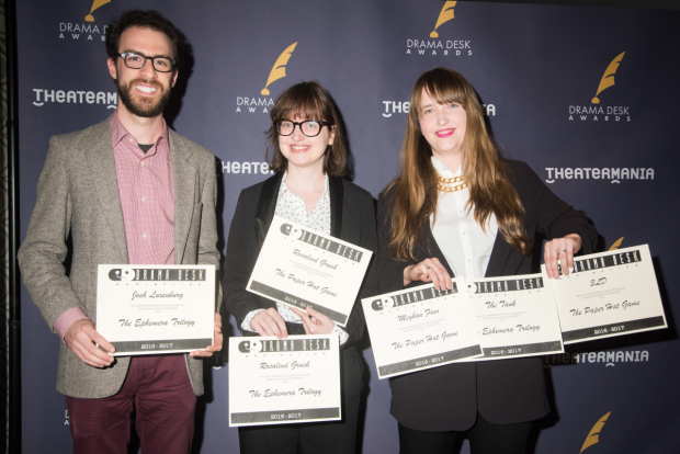 <p>A trio of nominees smile for the cameras.</p><br />(© Monica Simoes)