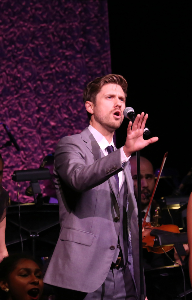 <p>Aaron Tveit sings &quot&#x3B;Morning Glow&quot&#x3B; from <em>Pippin</em>.</p><br />(© Walter McBride)