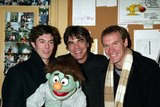 <p>Adam Brody, Ricky, Peter Gallagher, and Tate Donovan smile for the cameras backstage.</p><br />(© Joseph Marzullo)