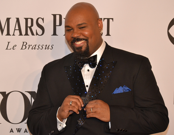 <p><em>Aladdin</em>&#39&#x3B;s Genie, James Monroe Iglehart, walked away victorious in the Featured Actor in a Musical Category.</p><br />(© David Gordon)