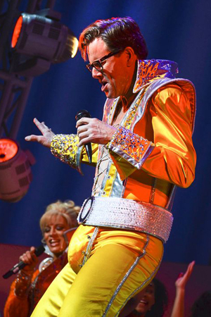 <p>Alan Campbell grooves out to the music of ABBA.</p><br />(© Nessie Nankivell)
