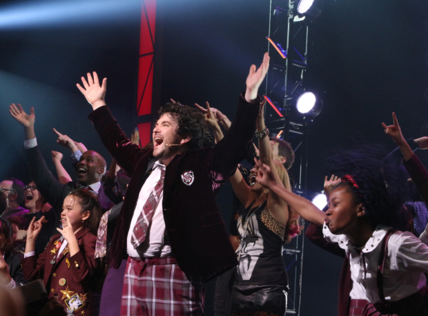 <p>Alex Brightman takes his triumphant opening-night curtain call in <em>School of Rock</em> at the Winter Garden Theatre.</p><br />(© David Gordon)