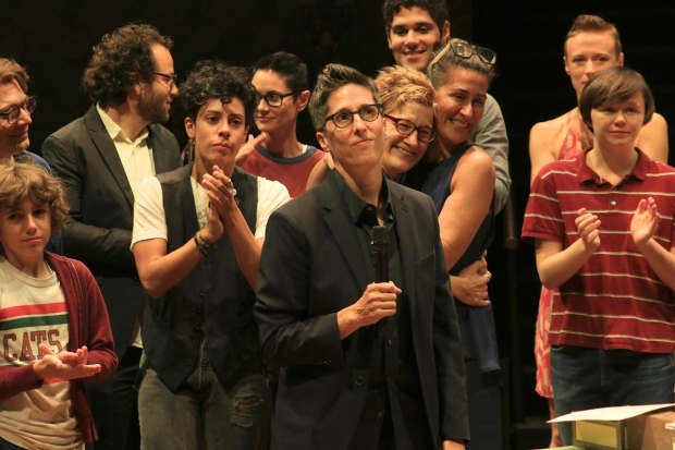 <p>Alison Bechdel takes the stage for a final speech.</p><br />(© Tricia Baron)