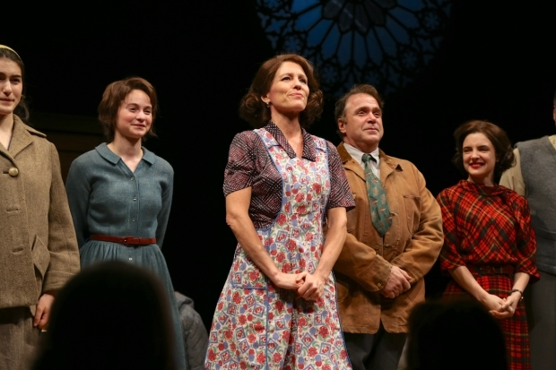 <p>Alyssa Bresnahan stands center and takes a bow.</p><br />(© Tricia Baron)
