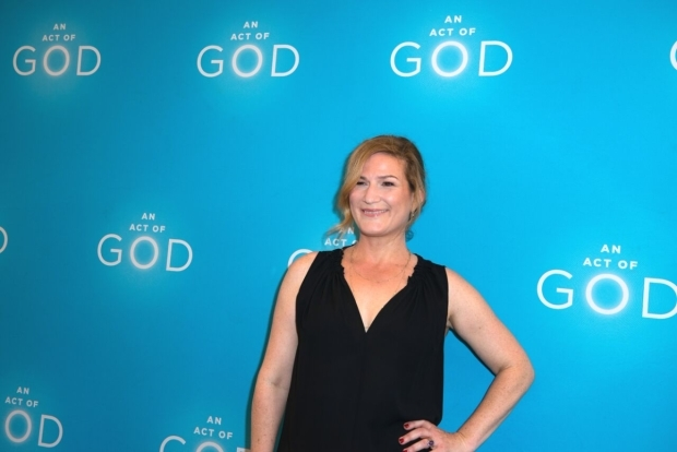 <p>Ana Gasteyer poses for photos before the show.</p><br />(© Allison Stock)