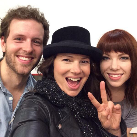 <p>&quot&#x3B;First day of school. Rehearsing w @carlyraejepsen &amp&#x3B; @joe_carollmich&quot&#x3B; — @FranDrescher</p>