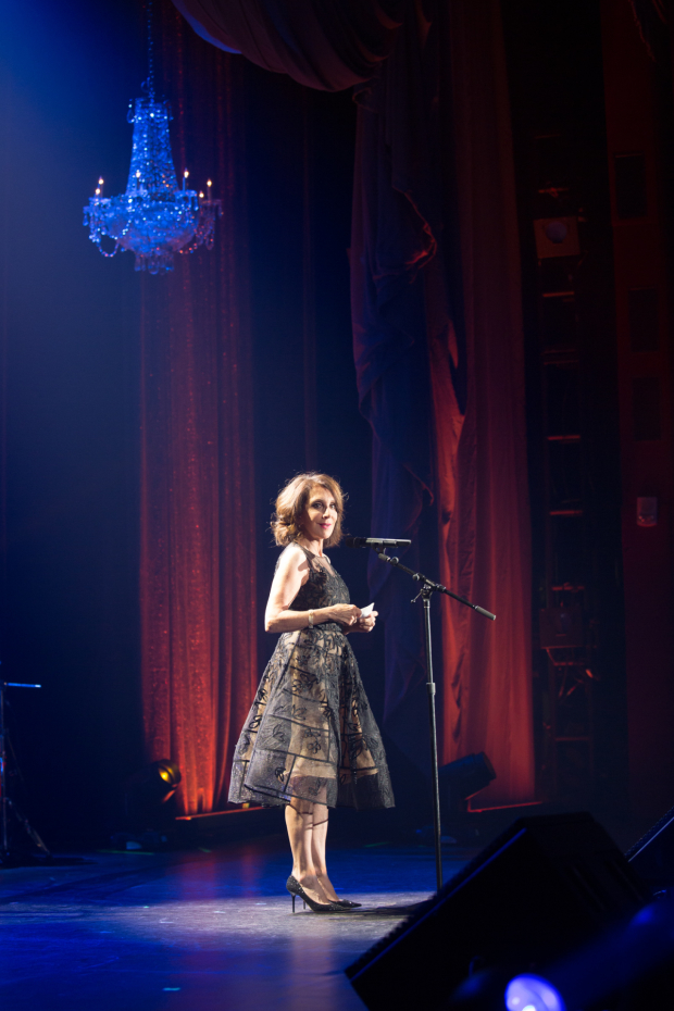 <p>Andrea Martin dazzled in the spotlight.</p><br />(© Kelly Kollar)