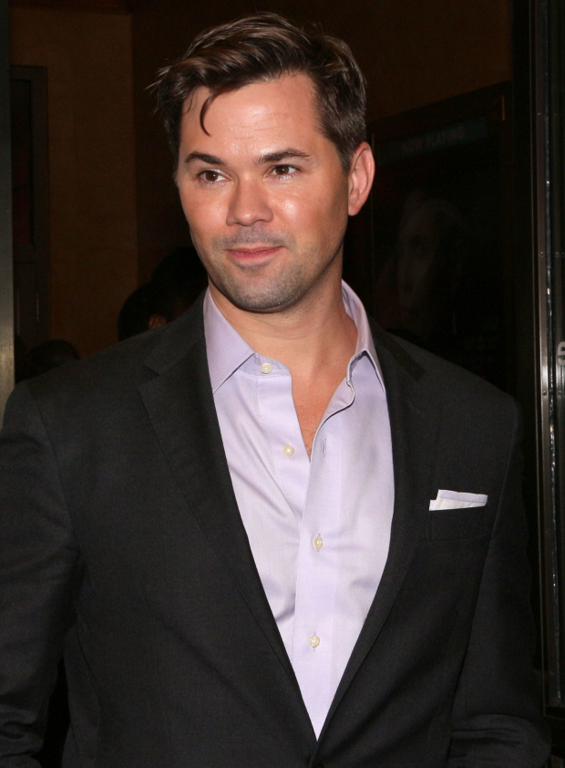<p>Andrew Rannells poses for photos before the show.</p><br />(© David Gordon)