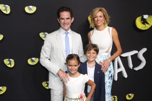 <p>Andy and Elly Blankenbuehler arrive with their children, Sofia and Luca.</p><br />(© David Gordon)