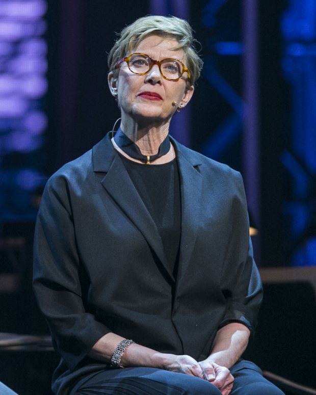 <p>Annette Bening performed during the evening.</p><br />(© Rich Polk)