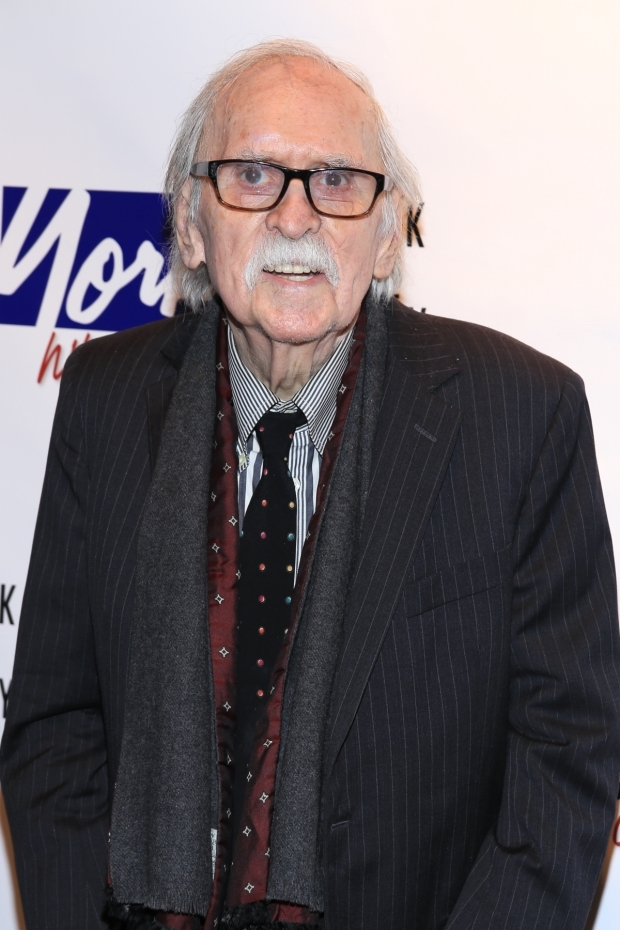 <p><em>Annie</em>, <em>The Producers</em>, and <em>Hairspray</em> scribe Thomas Meehan walks the red carpet.</p><br />(© Tricia Baron)