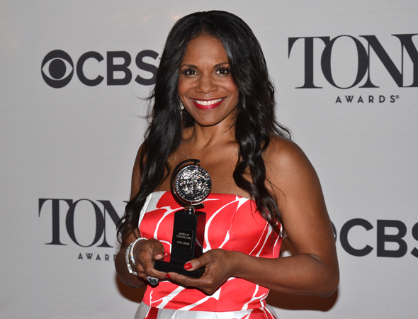 <p>Audra McDonald and her record-breaking sixth Tony, for <em>Lady Day at Emerson&#39&#x3B;s Bar &amp&#x3B; Grill</em>.</p><br />(© David Gordon)
