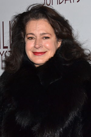 <p><em>Blade Runner</em> star Sean Young is all bundled up on the chilly New York night.</p><br />(© David Gordon)