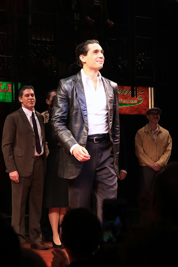 <p>Bobby Conte Thornton, who leads the cast as Calogero, takes center stage.</p><br />(© @Tricia Baron 2016)