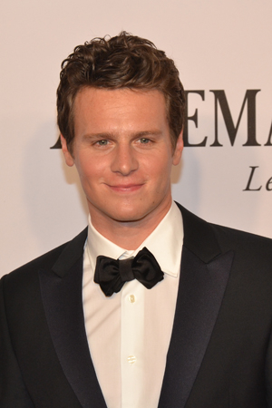 <p>Broadway alum Jonathan Groff makes an appearance at this year&#39&#x3B;s festivities.</p><br />(© David Gordon)