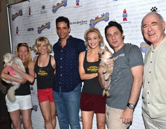 <p><em>Bullets Over Broadway</em> cast members Marin Mazzie, Heléne Yorke, Nick Cordero, Betsy Wolfe, Zach Braff, and Lenny Wolpe smile for the cameras.</p><br />(© David Gordon)