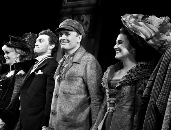 <p>Catch Lisa O&#39&#x3B;Hare, Bryce Pinkham, Jefferson Mays, and Lauren Worsham in <em>A Gentleman&#39&#x3B;s Guide to Love and Murder</em> at the Walter Kerr Theatre.</p><br />(© David Gordon)