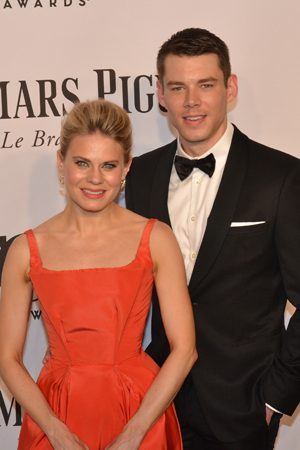 <p>Celia Keenan-Bolger and Brian J. Smith, Tony-nominated costars of <em>The Glass Menagerie</em>, show solidarity on the red carpet.</p><br />(© David Gordon)