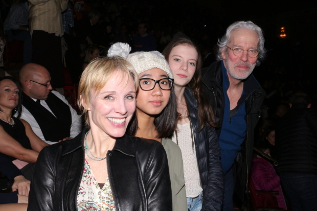 <p>Charlotte d&#39&#x3B;Amboise (a replacement Cassandra) and Terrence Mann (the original Rum Tum Tugger) take in <em>Cats</em> with their daughters.</p><br />(© David Gordon)