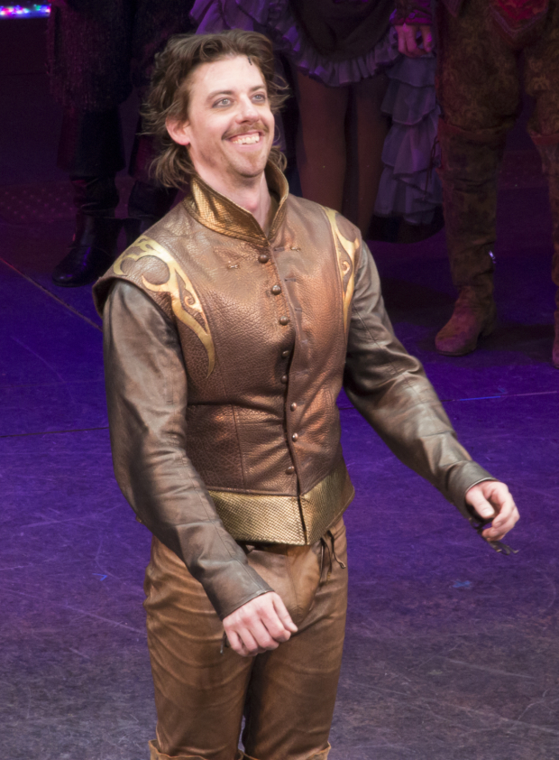 <p>Christian Borle drinks in the audience&#39&#x3B;s applause.</p><br />(© David Gordon)