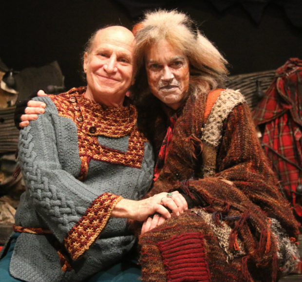 <p>Christopher Gurr (as Gustopher) greets past Gus Stephen Hanan.</p><br />(photo courtesy of ''Cats'')