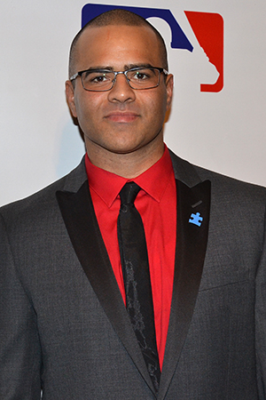 <p>Christopher Jackson completes the company as modern-day Yankees star Derek Jeter.</p><br />(© David Gordon)